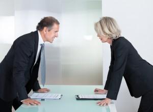 adwokat i radca prawny, prawnicy dyskutują